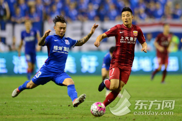 上海德比:申花2-1逆转上港 登巴巴小腿骨折