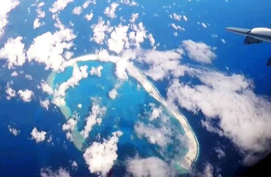 空军轰炸机巡逻多个南海岛礁