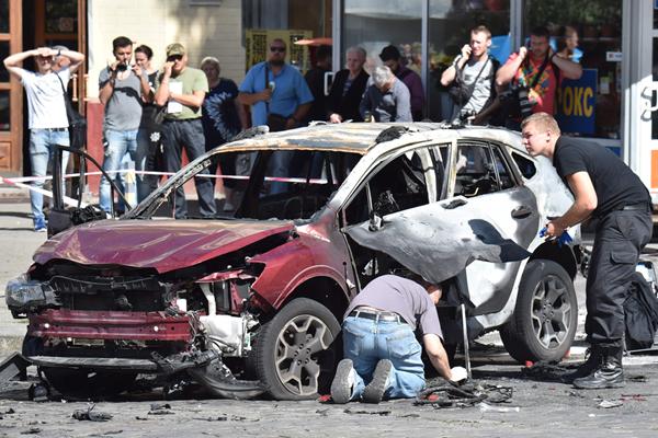 基辅发生轿车爆炸 乌克兰一知名记者被炸身亡