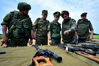 因陀罗演习俄军向印军炫耀装备