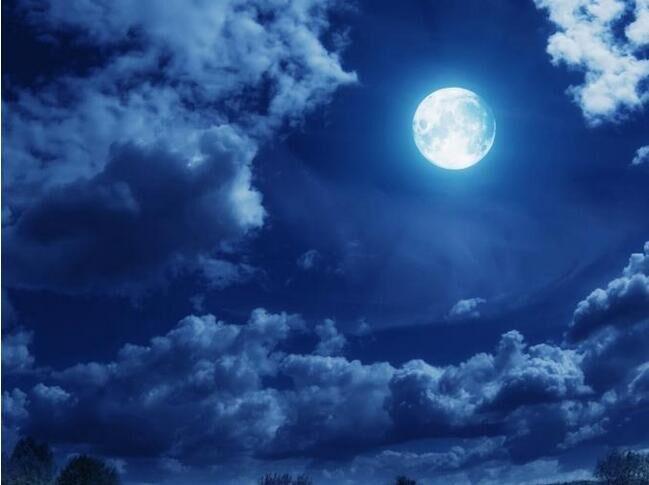 日媒:月圆之夜易发胖 女性应该注意以下四点!