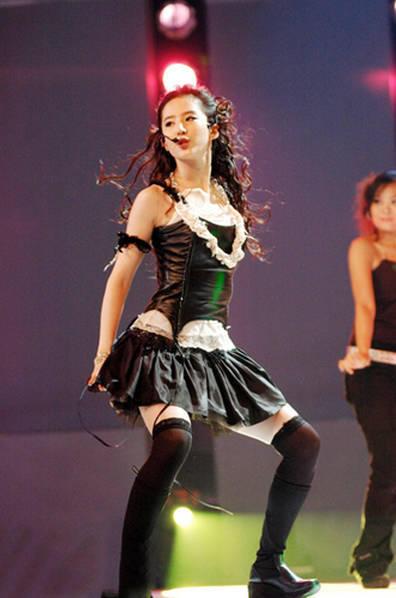 刘亦菲十年前热舞照片曝光!穿短裙性感火辣