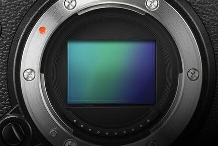 日相机厂商富士公司推出高端机型对抗智能手机