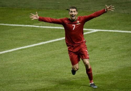 日本足球评论员越后盛赞C罗 抓住机会为葡萄牙夺冠表现出色