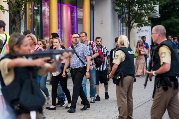 德国慕尼黑一购物中心发生枪击案 已致9人死亡