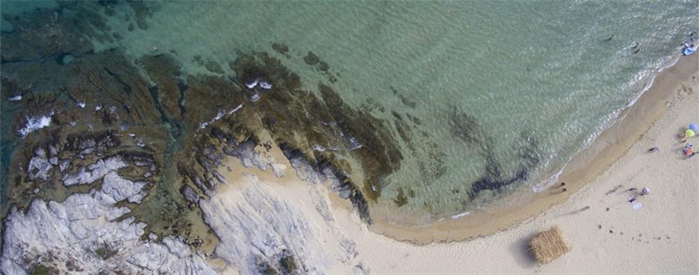 航拍卡瓦拉沙滩美景