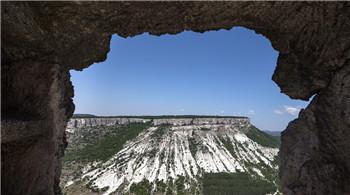 克里米亚洞穴小镇 古老城墙充满沧桑感