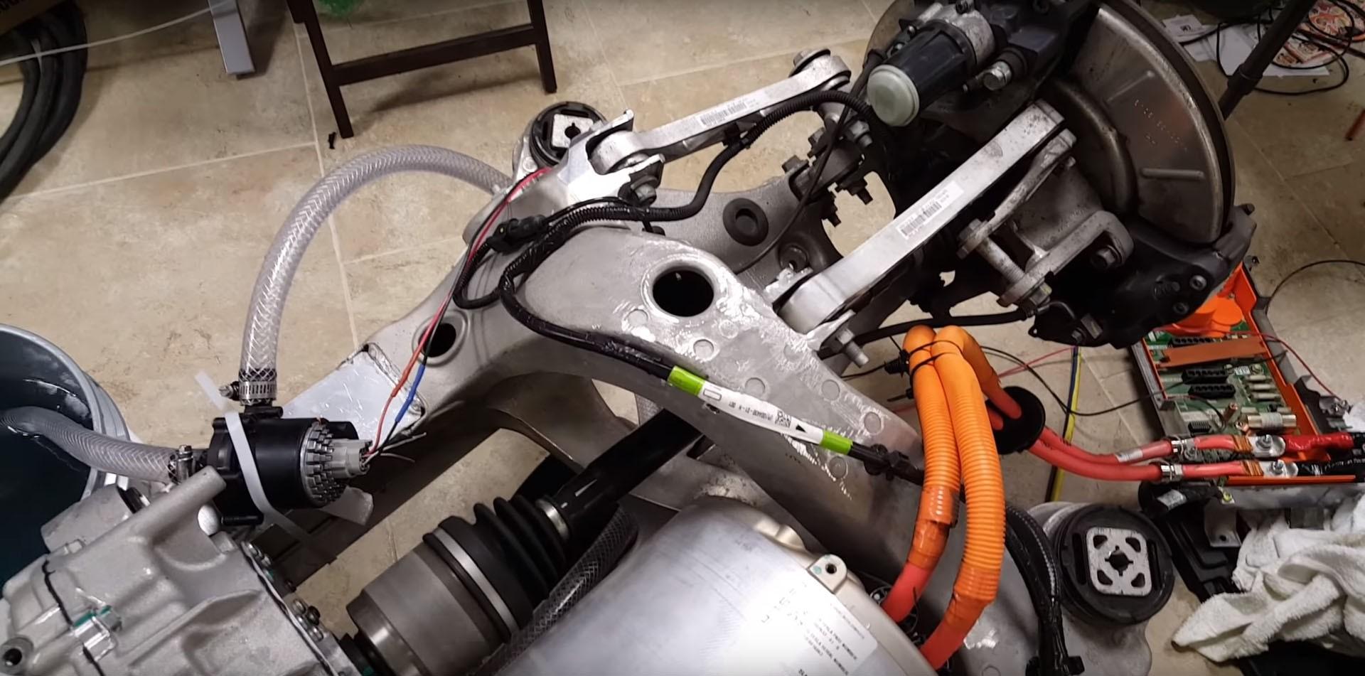 美发烧友欲自制1000马力电动车 基于特斯拉部件-最新新车资讯-微创资讯网