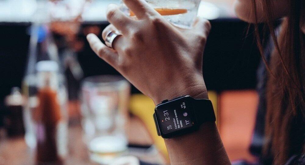 俄媒:中国公司研发智能手表将与苹果展开竞争