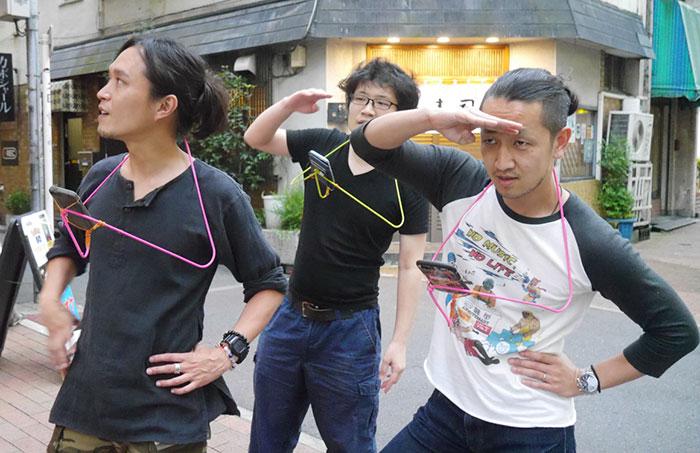 给跪日本人又有神发明 衣架打造宝可梦游戏配件