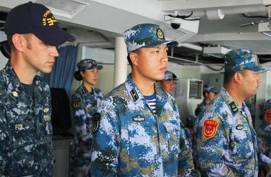 环太军演美军进中国军舰驾驶室