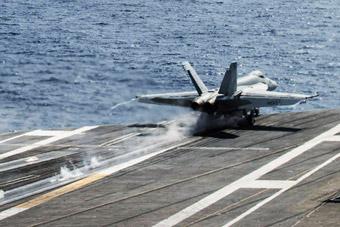 美军发布里根号航母闯南海53天影像