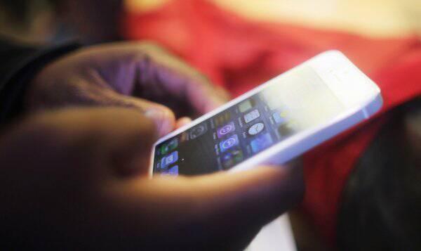 淘宝最热卖手机TOP10!男、女最爱的是它