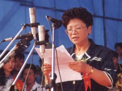 媒体起底杨秀珠13年逃亡路:辗转多国亡命天涯