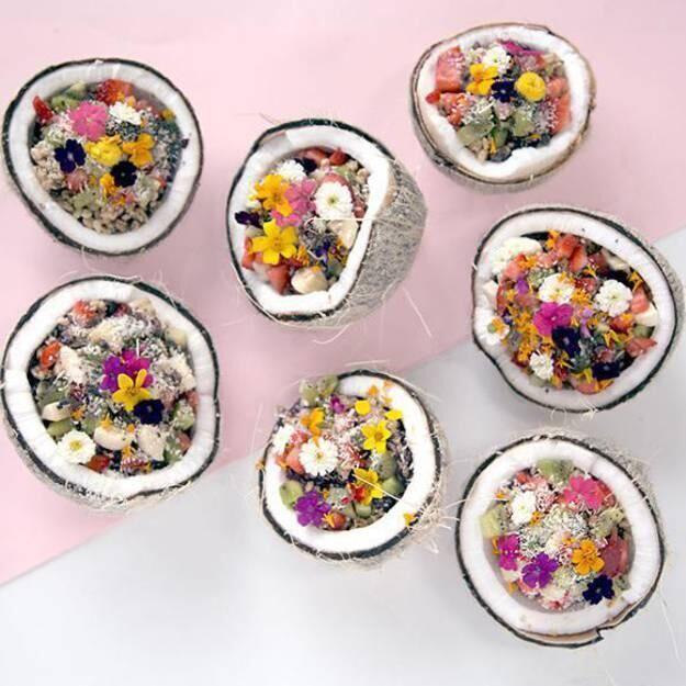 法媒教您制作椰子碗 让您体验海滩就餐的感觉