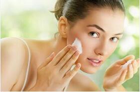 油性肌肤补水保湿攻略 5招让你清爽零负担
