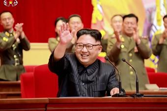 金正恩在平壤出席人民军忠诚运动大会