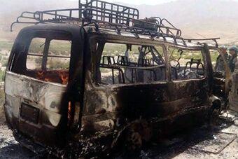 外国游客大巴阿富汗遇袭 或致10人死