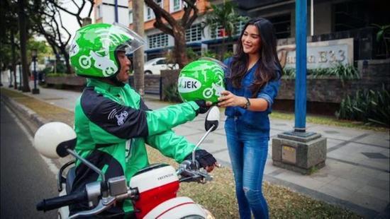 印尼打摩的+送外卖应用Go-Jek融资5.5亿美元