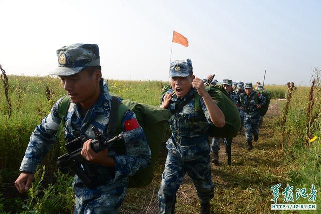 首战首胜!中国空降兵勇夺俄比武首阶段第一