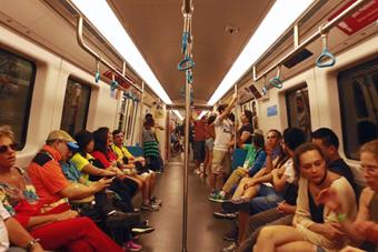 """探访""""中国制造""""的里约地铁4号线"""