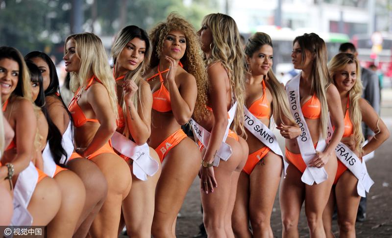 巴西美女为美臀小姐大赛预热 大秀身材