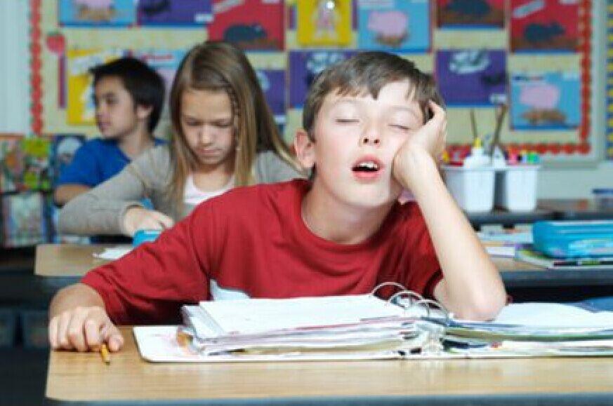 美国研究:缺少睡眠对青少年有诸多不良影响