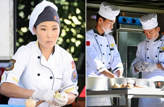 战地厨房大赛解放军PK蒙古女兵