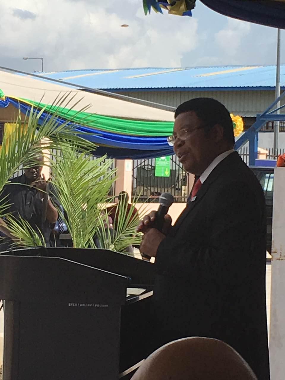 坦桑尼亚总理:坚定支持中国维护南海和平稳定立场