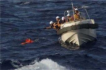 中国渔船与希腊货船钓岛相撞 日方施救