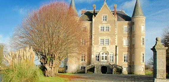 夫妇350万卖掉伦敦两居室 买下法国古城堡
