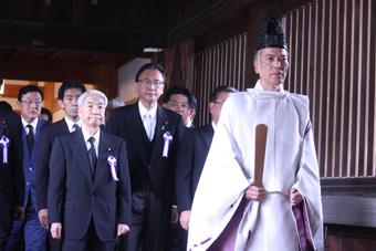日本战败日 多名议员参拜靖国神社