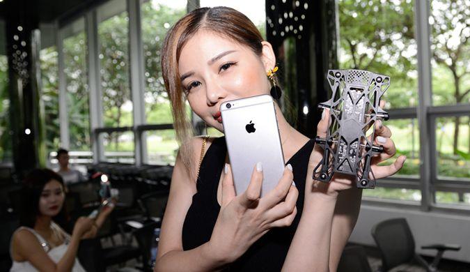 全球最薄无人机亮相东莞 只有iPhone手机大小
