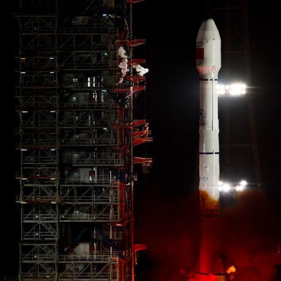 社评:中国发首颗量子卫星为