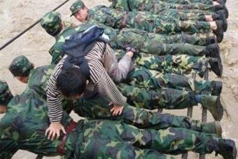 军人的另一面 最后一张泪奔