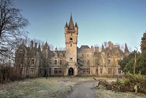 摄影师拍比利时废弃城堡似迪士尼