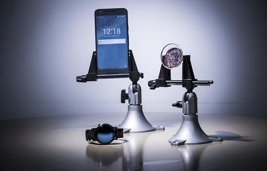 黑科技再现:隐形眼镜通过Wi-Fi对话智能手机