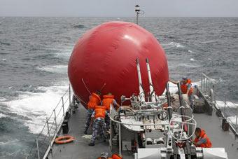 海军实弹训练神秘红色球体亮相