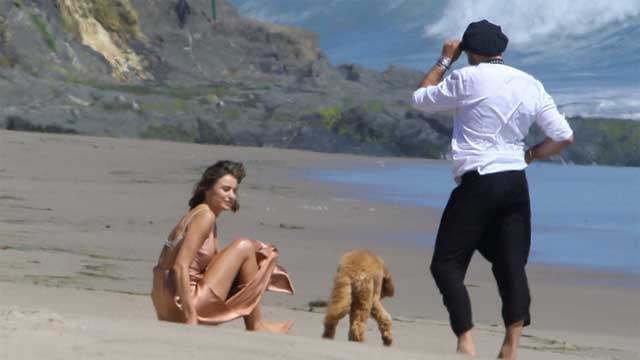 米兰达可儿海滩拍大片
