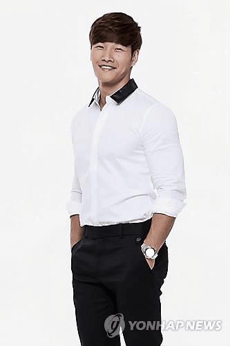 韩星金钟国首发中文歌《恨幸福来过》 林俊杰作词
