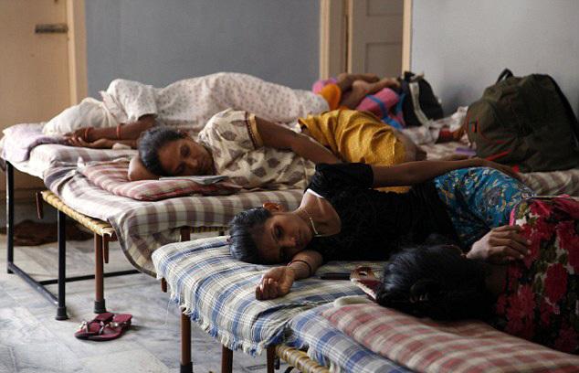 实拍印度代孕工厂 代孕只为生孩子卖掉赚钱