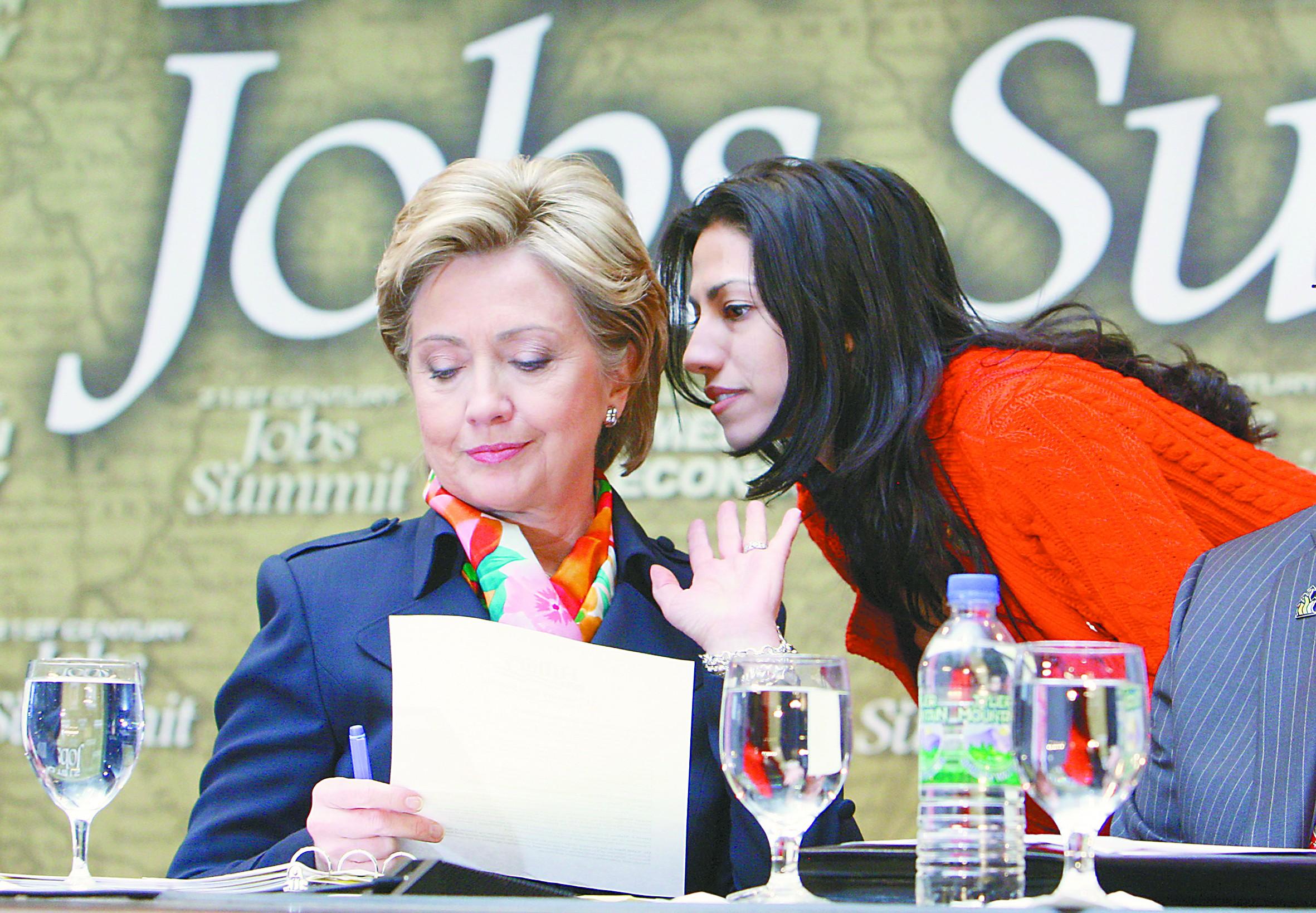 社评:希拉里何以丑闻连连却