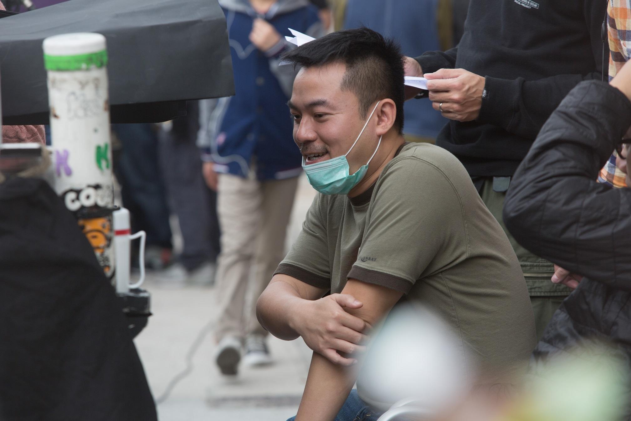 """香港金牌编剧笑称""""犯贱""""才拍《幸运是我》"""