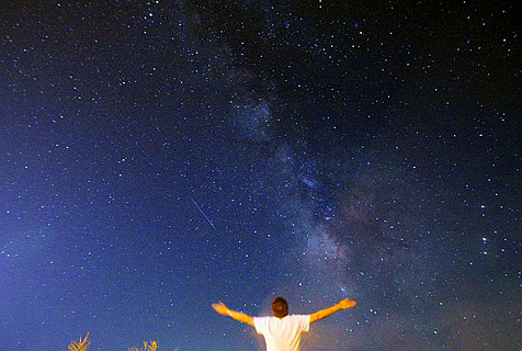 土库曼斯坦星空璀璨 美如幻景
