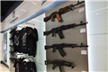 战斗民族的机场!纪念品商店开卖仿真枪