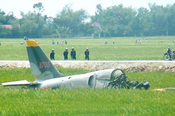 越南一飞机实战演习中突发事故 1人死亡