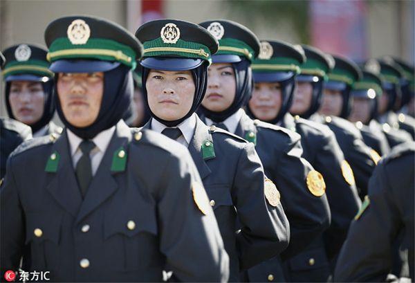 阿富汗109名女兵从土耳其军队毕业 参加宣誓仪式