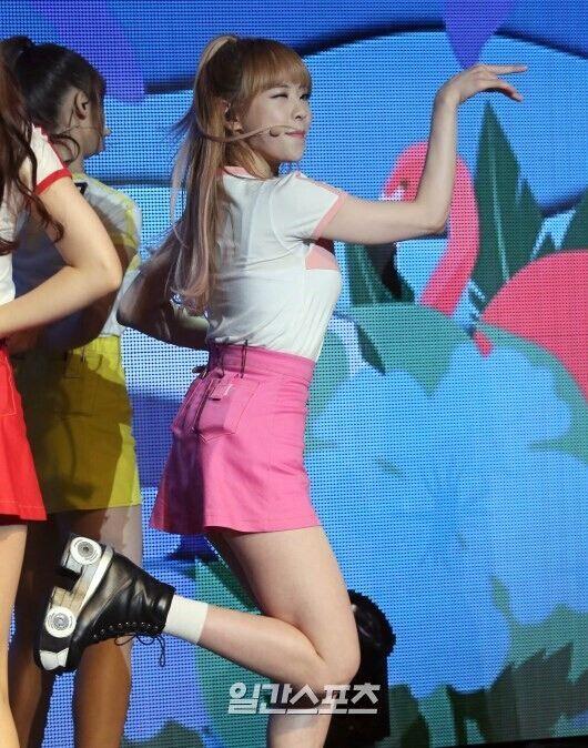 韩女团OH MY GIRL成员患厌食症 暂停娱乐圈活动