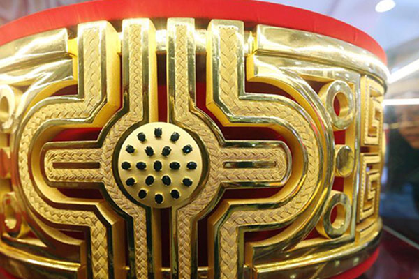 巨型黄金戒指现身南京