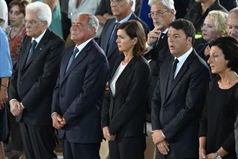 意大利为遇难者举行葬礼 政府政要出席